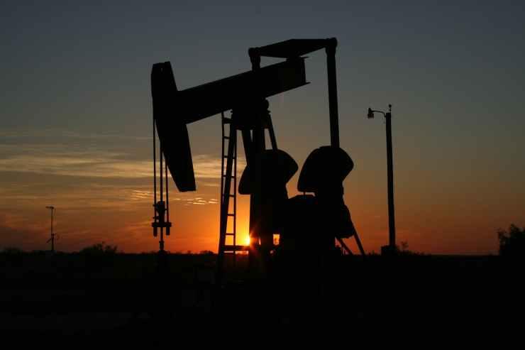 oil-monahans-texas-sunset-70362.jpeg